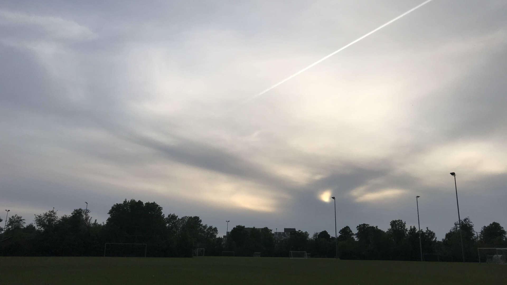 zachte luchten boven sportpark ezinge