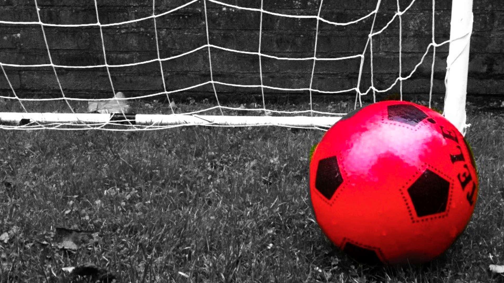 rode voetbal goal